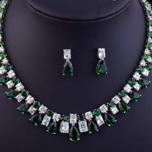 Elle Green Stone Necklace Set
